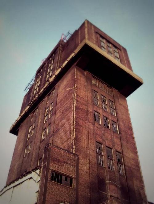 Szyb kopalniany #Bytom #Katowice #kopalnia #szyb #Śląsk