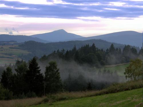 Babia Góra z Hajdówki (Jordanów) #BabiaGóra #góry #mgła