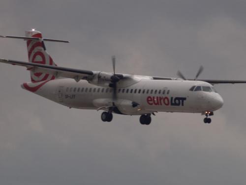 Przykładowe zdjęcie wykonane obiektywem Pentacon 4/300 #samolot
