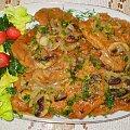 Kotlety schabowe duszone z pieczarkami i cebulą . Przepisy do zdjęć zawartych w albumie można odszukać na forum GarKulinar . Tu jest link http://garkulinar.jun.pl/index.php Zapraszam. #mięso #schab #pieczarki #cebula #obiad #kulinaria #jedzenie