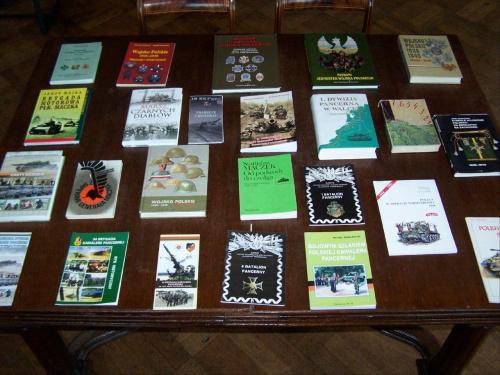 Książki i wydawnictwa o 11LDKPanc, podległych jednostach i spadkobierczyniach tradycji. #Militaria #Modelarstwo