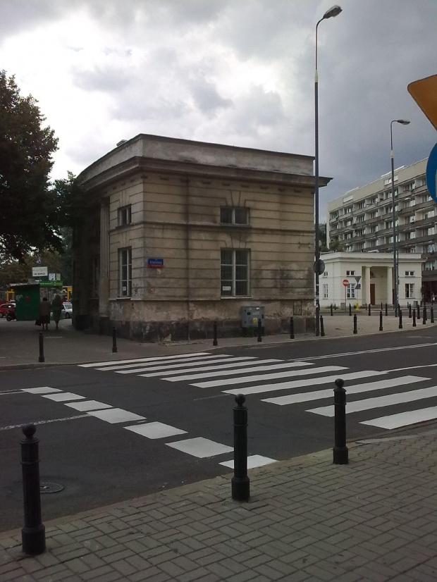 Warszawa- Plac Uni Lubelskiej #budynek #warszawa #widok