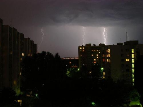 burza we Wrocławiu, nowy dwór #niebo #chmury #błyskawica #błyskawice #grzmot #burza