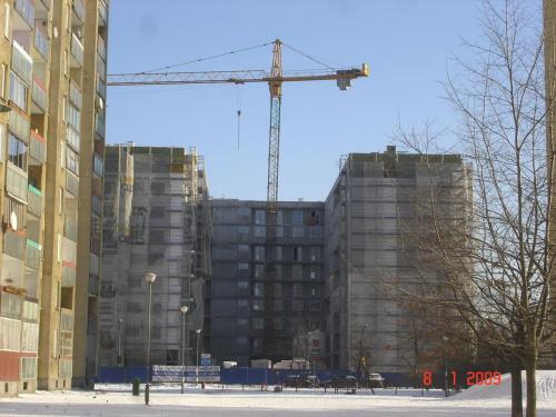 W jakim tempie teraz powstaje apartamentowiec w Warszawie.