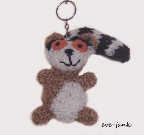 Lemur Wojtuś. Breloczek zrobiony na szydełku.Wysokośc 11 cm