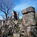 Ruiny zamku Bolczów w Rudawach Janowickich. Pierwsze wzmianki o nim pochodzą z 1375 r. Zbudowany z okolicznych skał granitowych. #JanowiceWielkie #Bolczów #zamek #ruiny