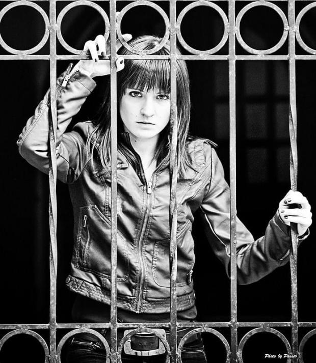 Kociak za kratkami, czyli ciąg dalszy zdjęć Ani #Kobieta #dziewczyna #portret #nikon #tamron #airking #passiv #wrocław