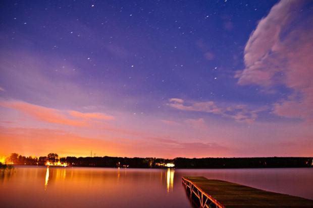 nocny krajobraz w Boszkowie #jezioro #noc #molo #pomost #boszkowo #passiv #airking #niebo