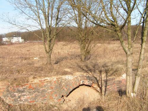 Tannenberg Denkamal, Olsztynek, fragmenty fundamentów, kwiecień 2009 #Hindenburg #Hohenstein #Ostpreussen #Olsztynek #Reichsehrenmal #Tannenberg