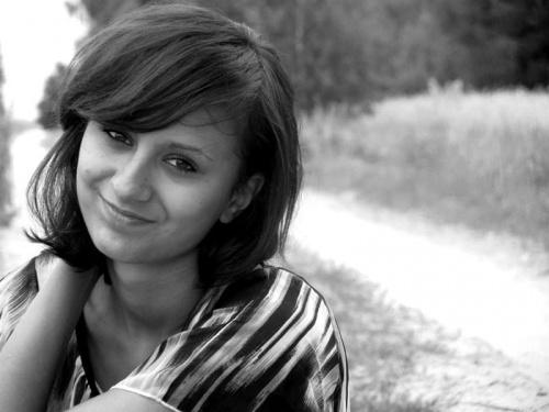 LATO 2011 Modelka: Monika, raczej dobrze znana na moim FOTOSIKU :) strasznie dużo pracy i mało czasu na hobby :)